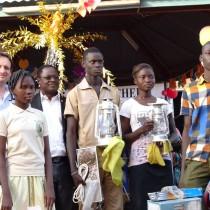 Remise symbolique des dons lors de la Fête de Noël à St Dominique